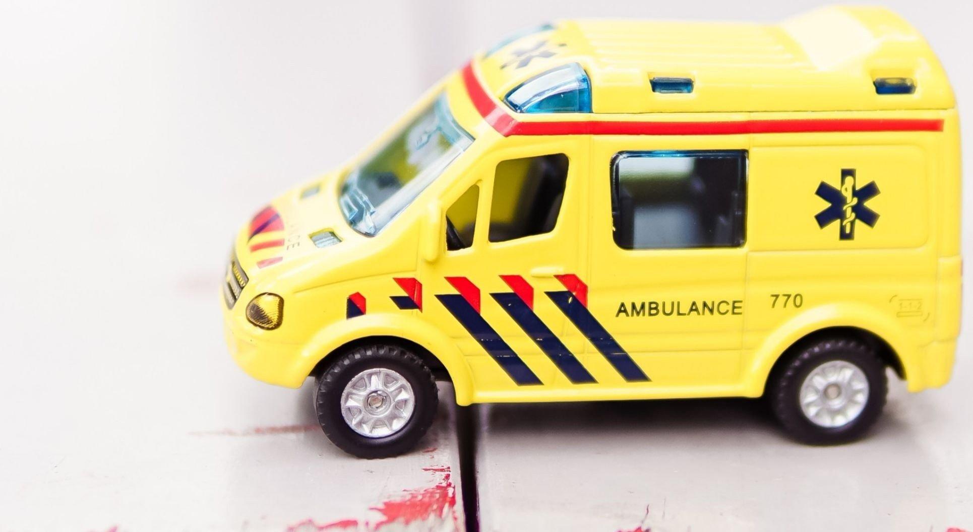 Ambulance © Zhen Hu