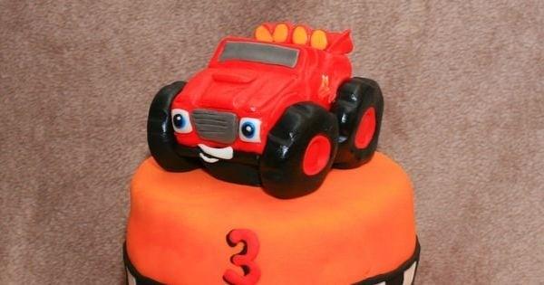 Blaze op een taart